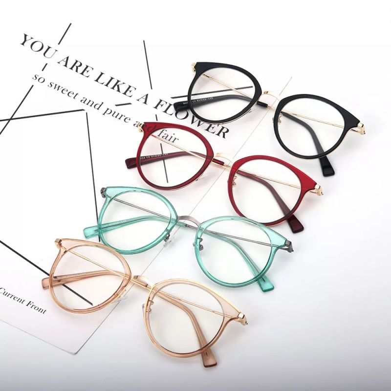 Chic Frame With Elegant Colors